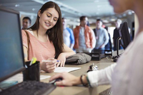 Mức lương của sinh viên mới ra trường? Những điều nên biết về tiền lương
